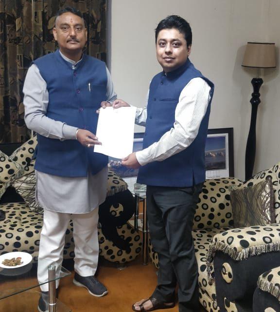 दिल्ली आदि महानगरों से पहाड़ों को आने वाले यात्रियों के पूर्ण स्वास्थ्य परीक्षण कराने के लिए कर्नाटक ने प्रधानमंत्री को भेजा ज्ञापन।