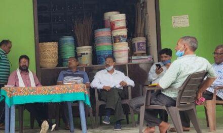 प्रांतीय उद्योग व्यापार मंडल अल्मोड़ा ने ध्याडी में जरूरत मन्द लोगों को दी आर्थिक मदद।