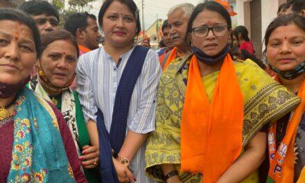 सल्ट उपचुनाव में भाजपा की महिला मोर्चा ने भी प्रत्याशी महेश के लिए घर घर जाकर मांगे वोट