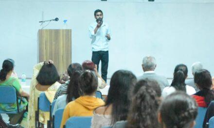 सोबन सिंह जीना विश्वविद्यालय में ब्लीडिंग राइट विषय पर डॉक्यूमेंट्री का लोकार्पण किया
