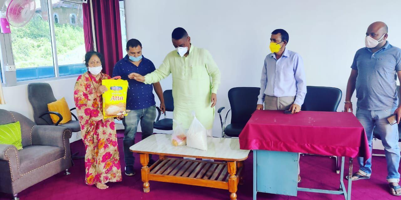 कर्नाटक की नयी मुहिम – अब छोटे निजी विद्यालयों के कर्मचारियों को भी प्रदान करेंगे खाद्यान्न सामग्री