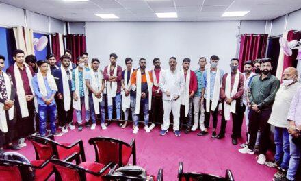 अल्मोडा में अनेकों युवाओं ने थामा कांग्रेस का हाथ- वरिष्ठ कांग्रेसी नेता बिट्टू कर्नाटक ने दिलायी सदस्यता