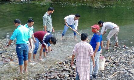 सेवा और समर्पण अभियान के अंतर्गत गाँधी एवम  शास्त्री जी की जयंती पर भाजपा ने किया सफाई  कार्यक्रम का आयोजन